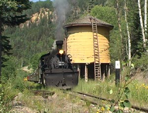 487 rounds the curve and halts at Cresco, July 2003