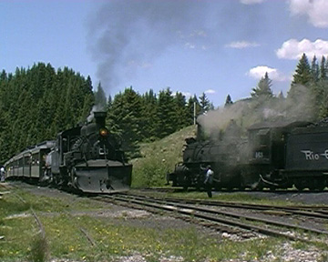 463 and 487 at Cumbres Pass 2000 - copyright J.McIvor 2005